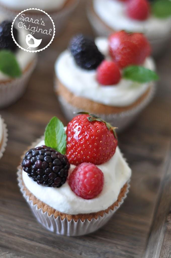 Himmlische Beeren Cupcakes Birds Like Cake Baking Enjoying