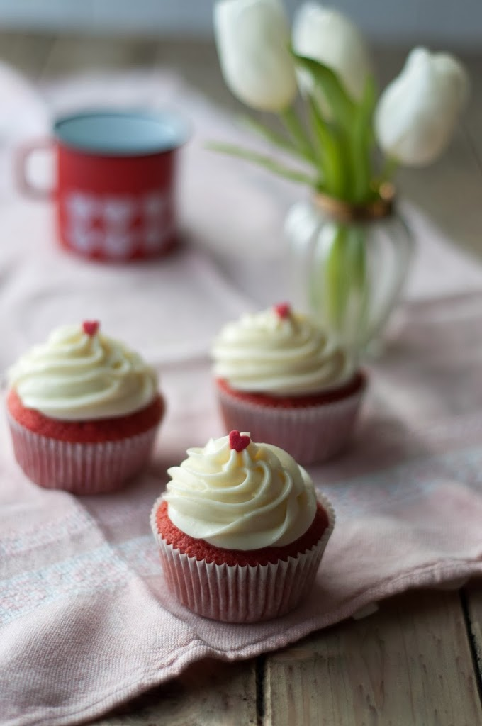 Red Velvet Cupcakes Valentinstag Valentines Day Birds Like Cake