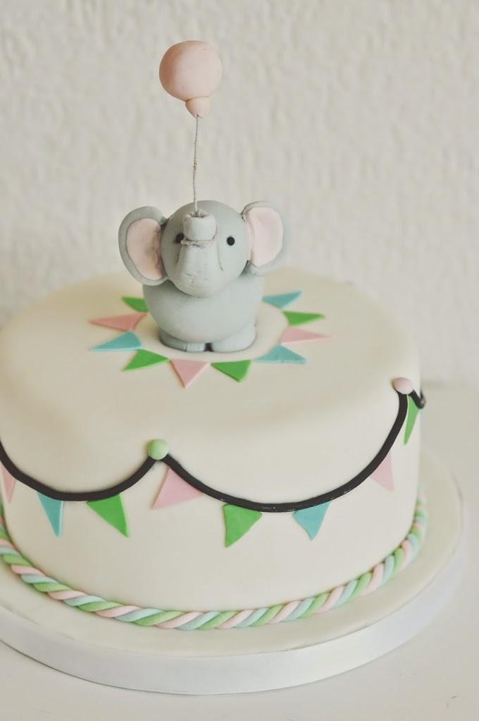 Elefanten Geburtstagkuchen Birds Like Cake Baking Enjoying
