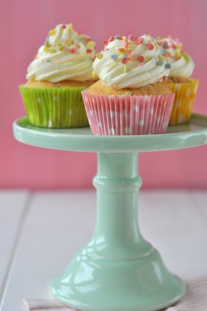 Birds Like Cake: Funfetti Cupcakes