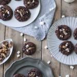 Schoko Kekse mit Marshmallows und Orangenglasur