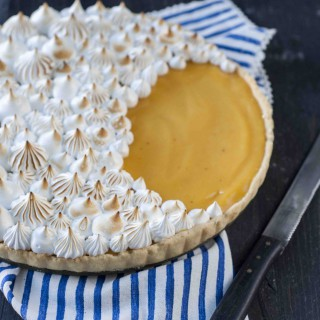 Birds_Like_Cake_Lemon_Meringue_Pie1