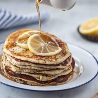birds_like_cake_lemon_pancakes1